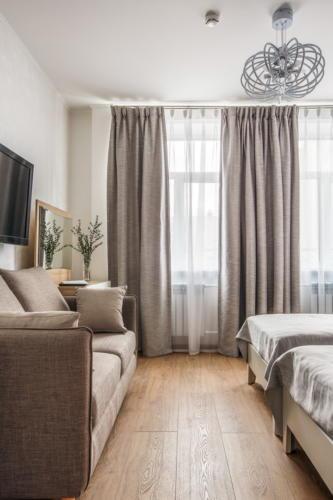 Room 107 05