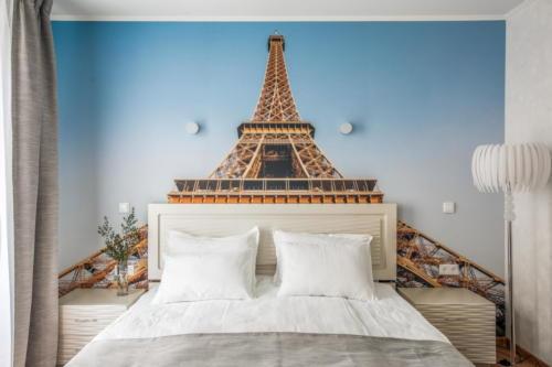 Room 110 07