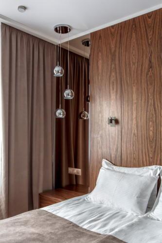 Room 406 01