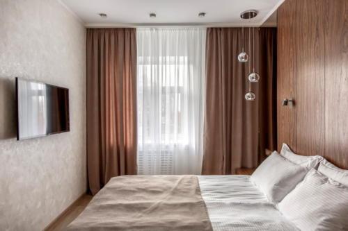Room 406 04