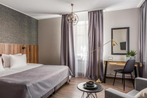 Room 211 04