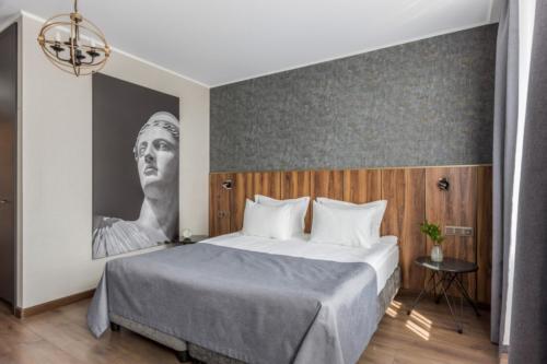 Room 209 01