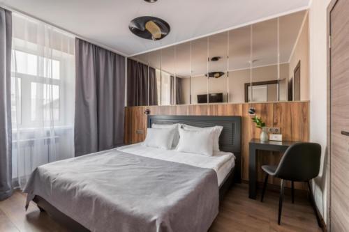 Room 206 01
